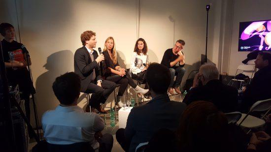 Wir diskutieren mit Dr. N. Hill, J. Strauch und J. Kornmacher über den Zusammenhang von Digitalisierung und Kultur.